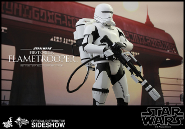STAR WARS: The Force Awakens - First Order Flametrooper (Hot Toys)