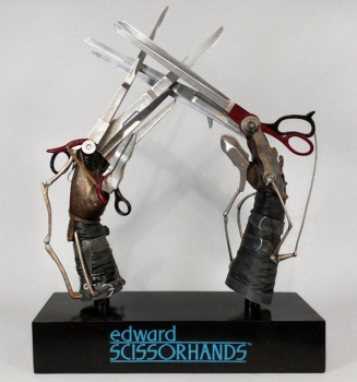 EDWARD MIT DEN SCHERENHÄNDEN - Replik 1/1 Edwards Scherenhände (Hollywood Collectibles)