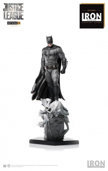 JUSTICE LEAGUE - Deluxe Art Scale Statue 1/10 Batman - Concept Store Exclusive (Iron Studios)