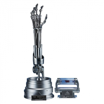 TERMINATOR 2 - The Real Replik 1/1 T-800 Endoskelett Arm & Gehirn-Chip Set (Blitzway)